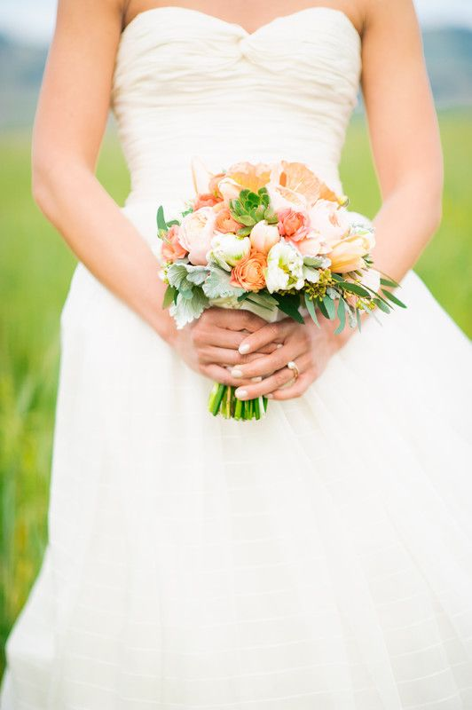 Is there anything more beautiful then hues of #peaches and greens together? @noonansdesigns