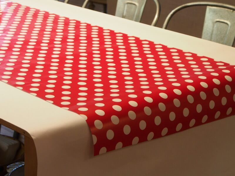a table runner is a great alternative to a tablecloth what if you have a beautiful new table that you dont want to hide with a table runner