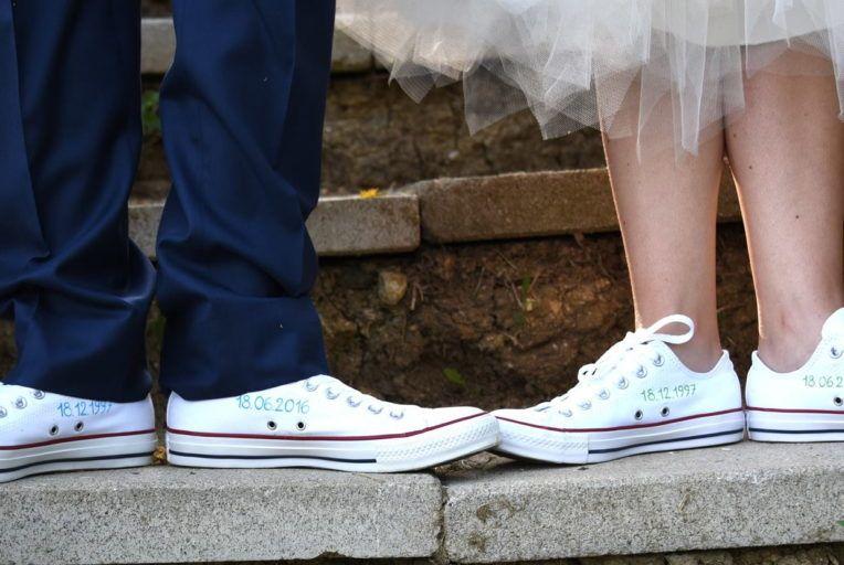 Pin di Saja Haider su WEDDING | Converse, Spose, Stile
