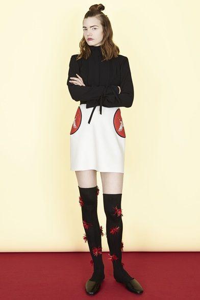 Guarda la sfilata di moda Caterina Gatta a Milano e scopri la collezione di abiti e accessori per la stagione Collezioni Autunno Inverno 2016-17.