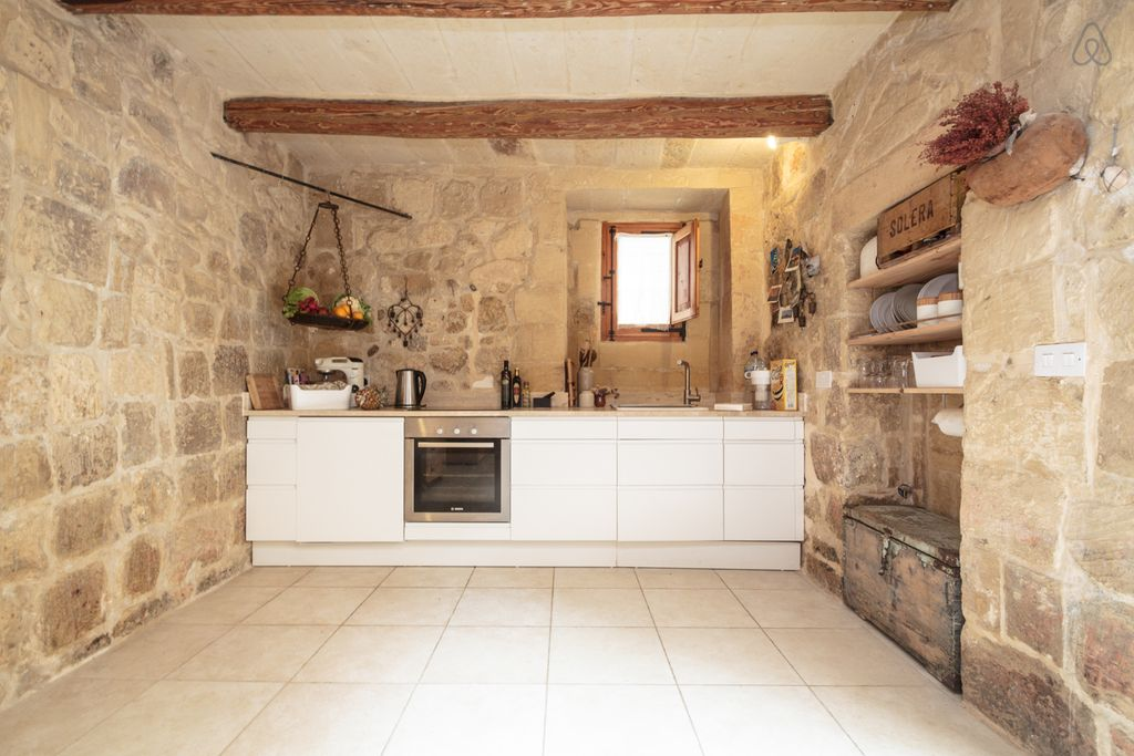 Kitchen in old house for short rent in Mdina Malta | Malta ...