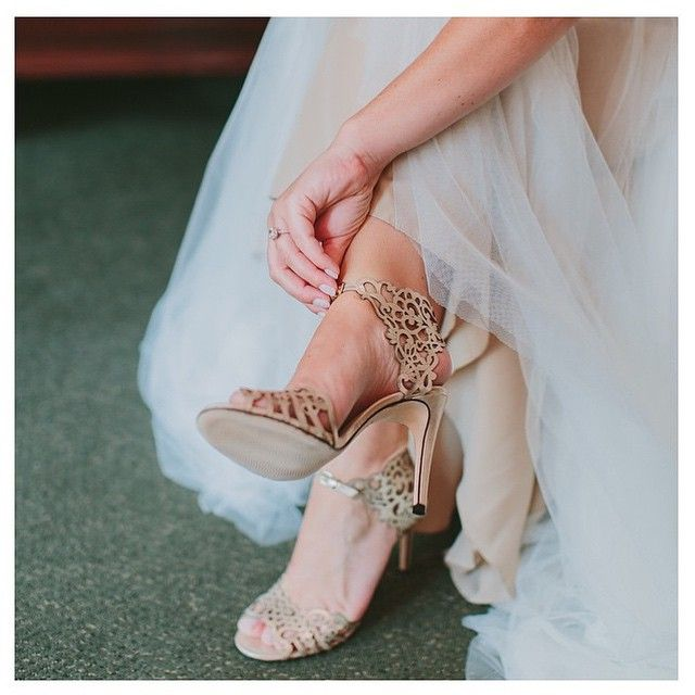 One of our favorite #bridal accessories... the #shoe! #weddingshoes #heels #bridalshoe #wedding #inspiration #bridalstyling