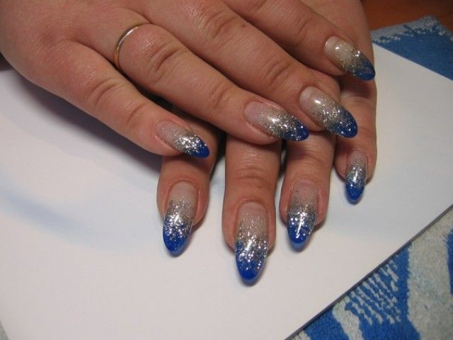 n gel fotos bei svetlana 24 blau mit silber nageldesign bilder by world nails nailart galerie. Black Bedroom Furniture Sets. Home Design Ideas