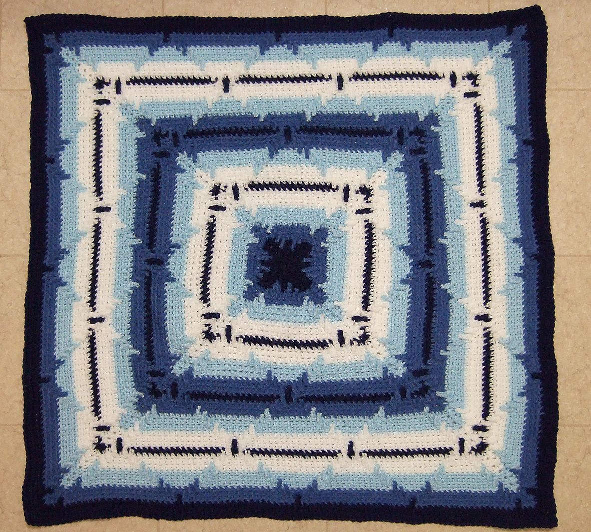 In-The-Round Square Navajo Lap Blanket, free pattern by Heather ...
