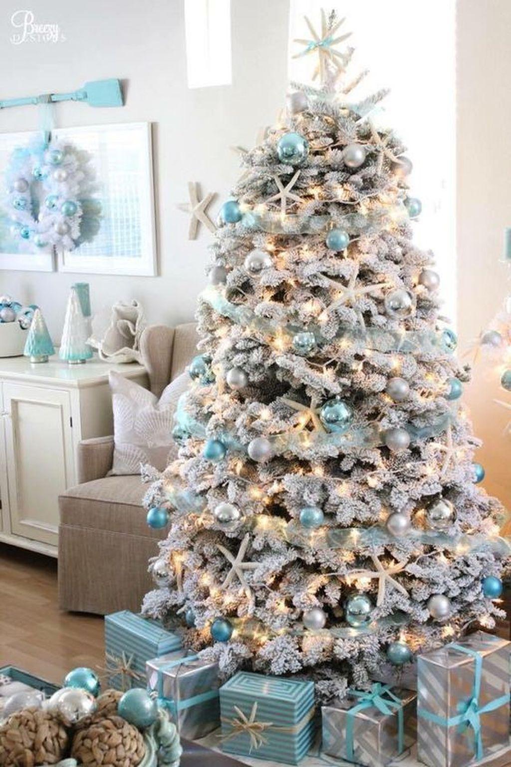 13 White Christmas Tree Decorating Ideas | Van interior