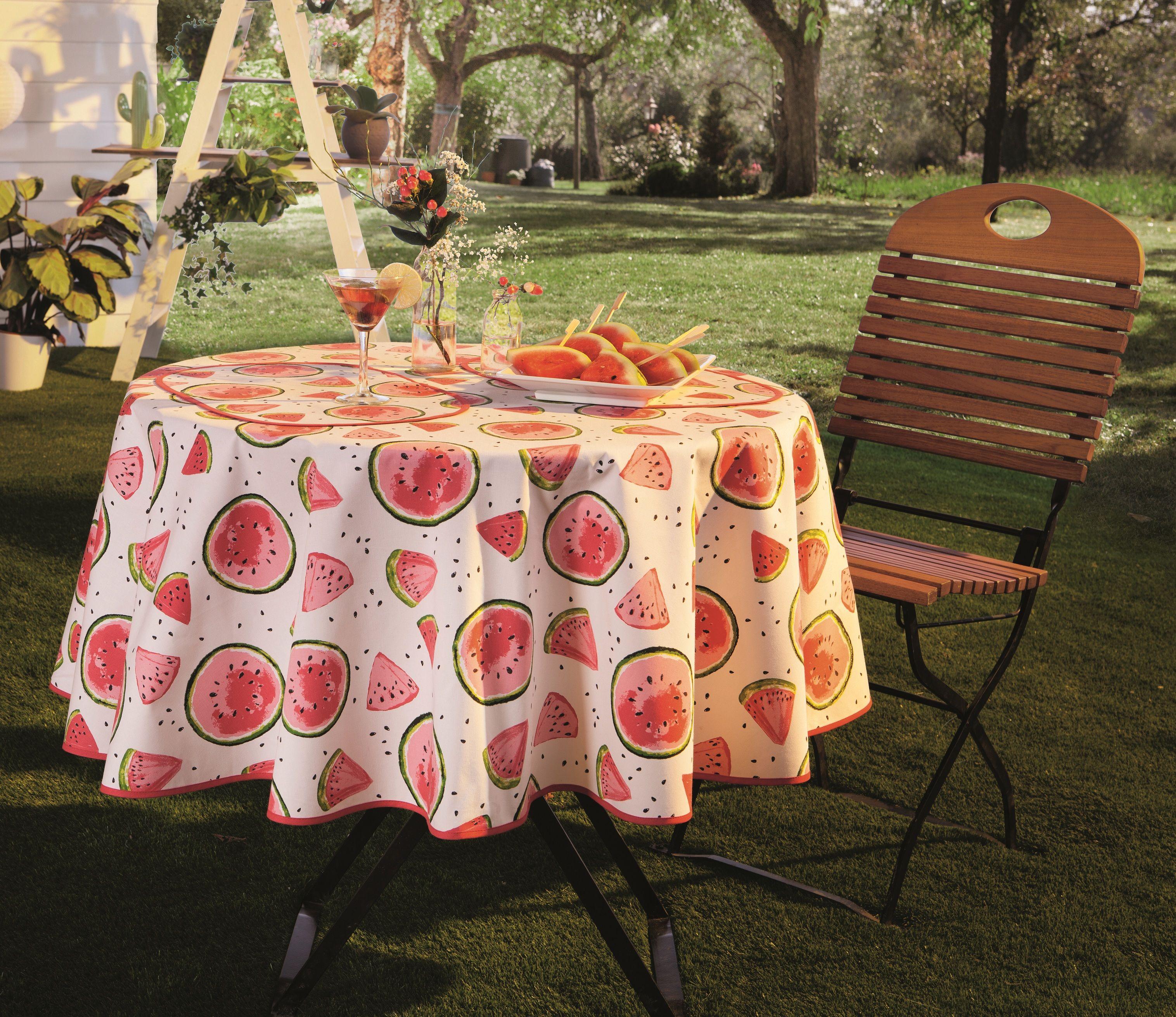 Sommerlich Frisch Und Fruchtig Laden Die Sussen Wassermelonen Zum Schlemmen Und Naschen Ein Was Meint Ihr Die Tischdecke Ist Fur Drinne Tischdecke Decke Tisch