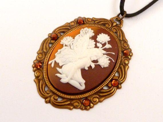 Große Kamee Halskette mit Elfe in braun weiß  von Schmucktruhe