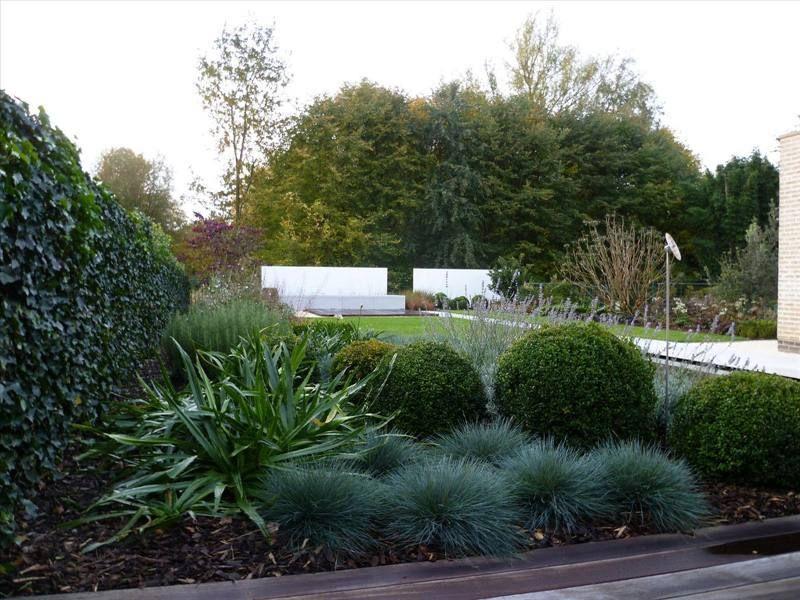 20 voorbeelden van een tuin met siergrassen tuin met siergrassen pinterest siergrassen - Deco moderne tuin ...
