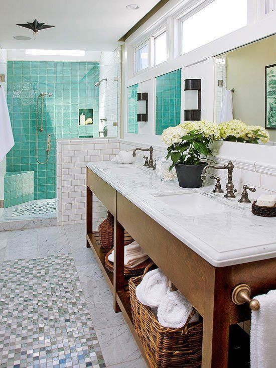 Open Shower With Spa Blue Tile White Walls Open Cabinets Allowing Baskets For Storage Love The Sink Badezimmer Design Strandhaus Badezimmer Badezimmer Dekor