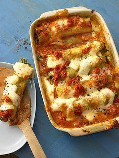 Vegetarisch gefüllte Cannelloni mit Tomatensoße