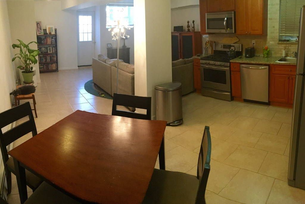 Check Out This Awesome Listing On Airbnb Entire Cozy Home In Nyc Apartments For Rent Long Island City