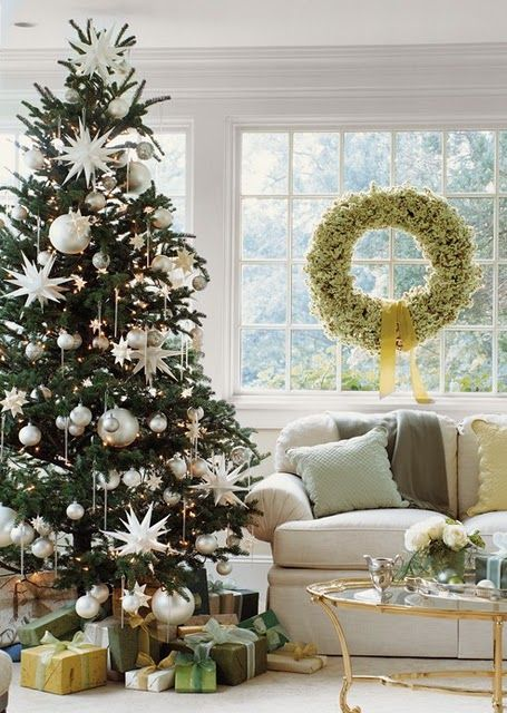 peaceful living room with white christmas decorating theme for holiday home decor with beautiful christmas tree charming christmas decorating idea - Christmas Decoration Theme Ideas
