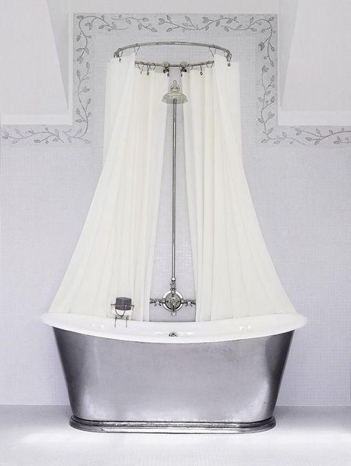 Ba era de zinc con ducha y cortina todo muy retro ducha - Cortinas para baneras ...