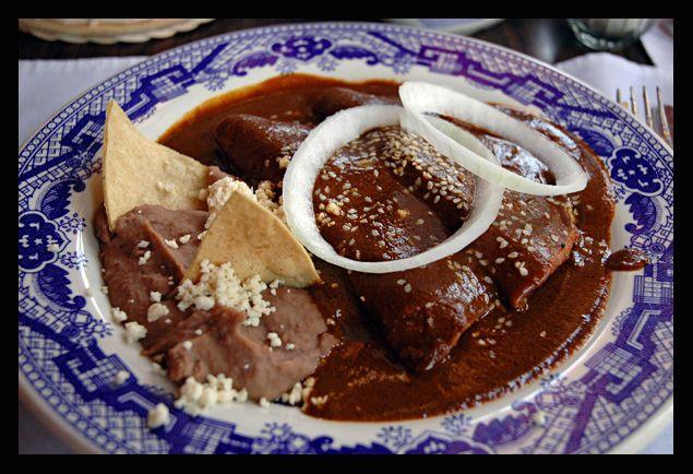 MMMMmmhh enchiladas de mole! | Enchiladas, Mole, Comida