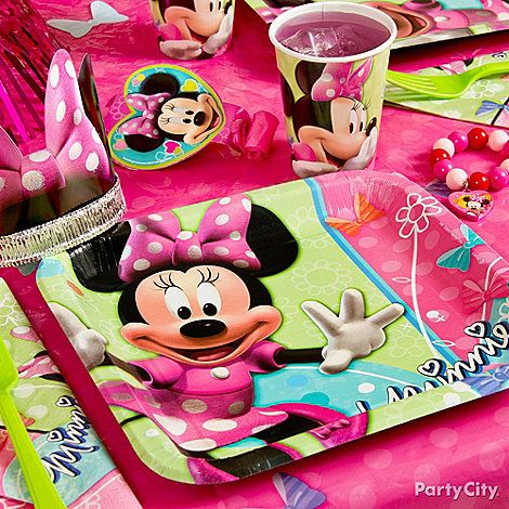 Add favors like Minnie Mouse ears and bracelets around place