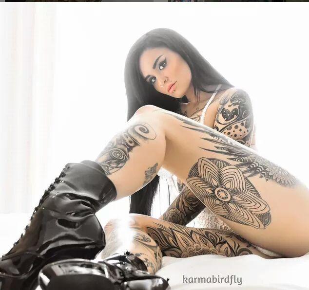 ( c ) tattoo