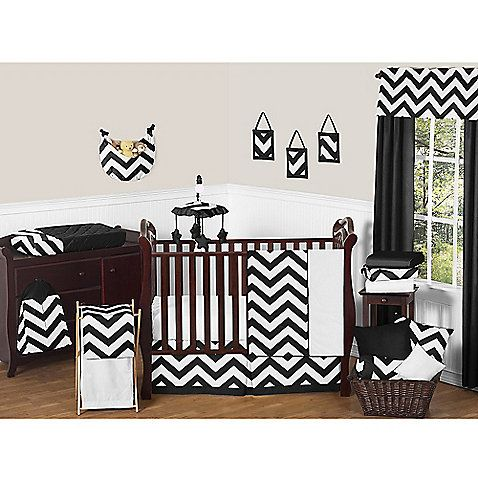 Sweet Jojo Designs' Chevron Bedding centers around a bold chevron print in black and white. With its mix of solids and prints, this is a stylish and comfy bedding collection for your little one's room.