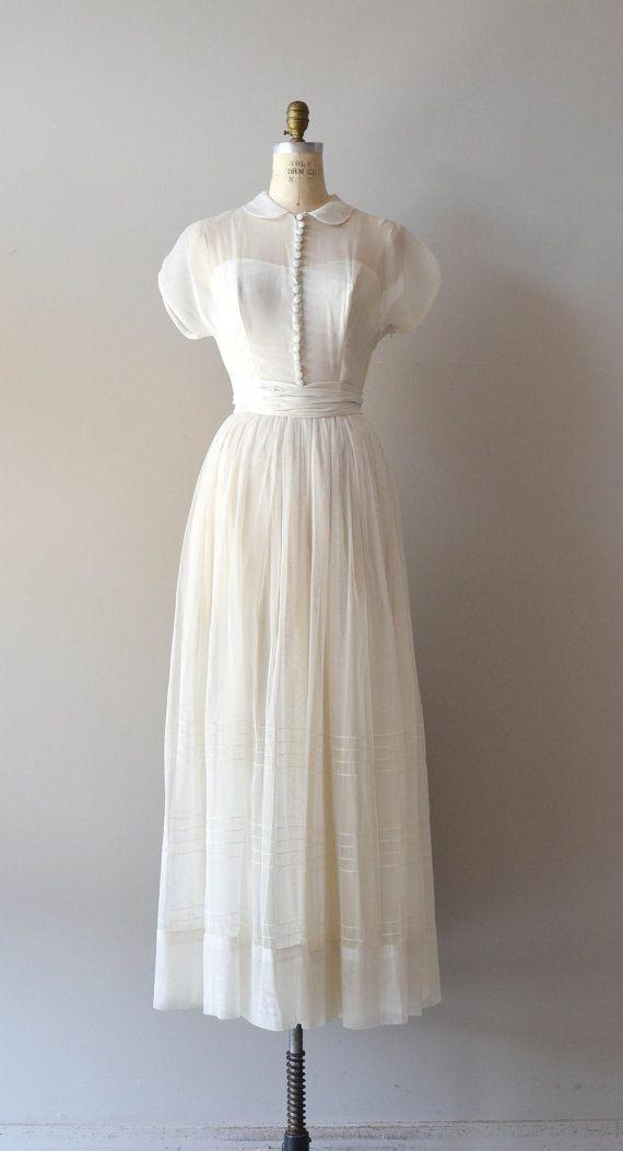 1940er Jahre Hochzeitskleid / Vintage 40er Jahre Kleid / Tender von DearGolden, $ 725.00  #1940er #hochzeitskleid #jahre #kleid #tender #vintage #vintagedresses
