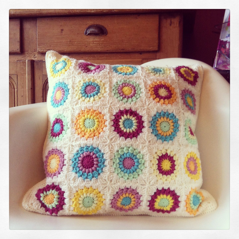 Sunburst Granny Square Kussen Pillow Haken Crochet Patroon