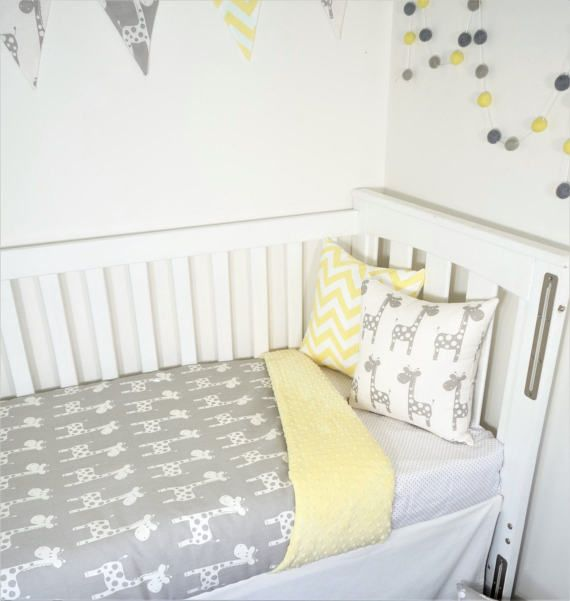 Grey and yellow chevron, giraffe nursery items | Vivero, Jirafa y ...