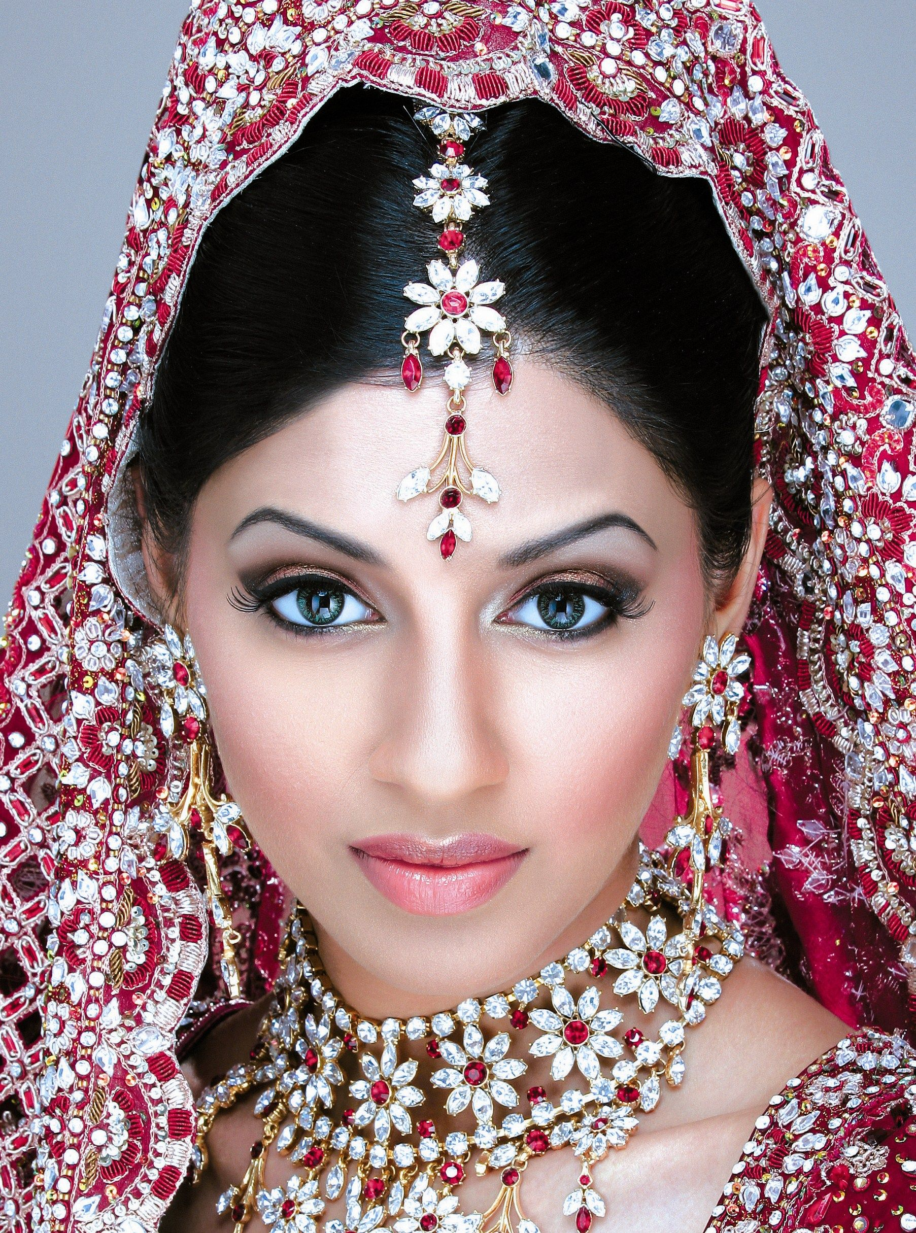 Traditional Indian wedding make up soft lip look | Indian jewellry ...