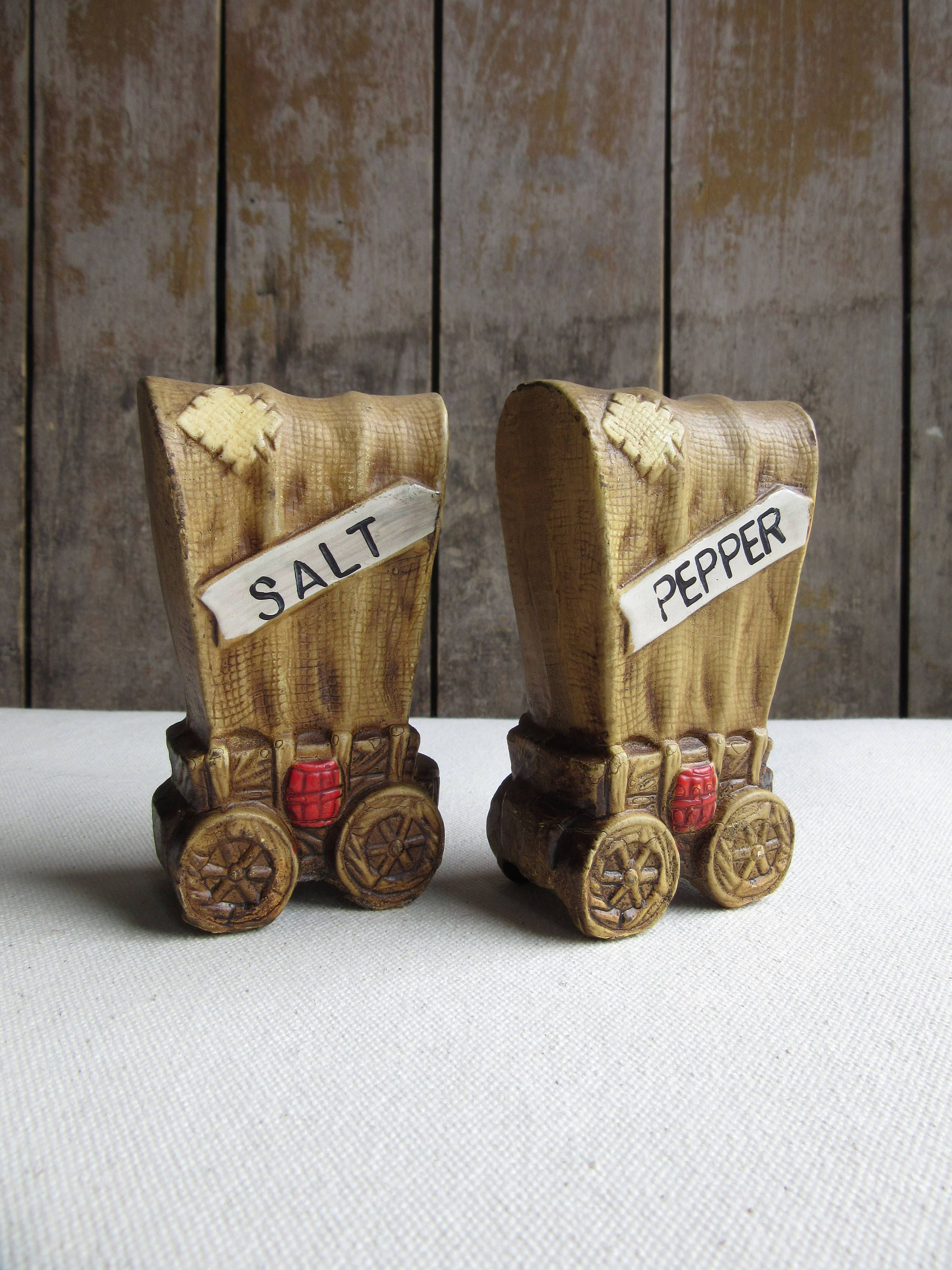 Covered Wagon Salt And Pepper Shaker Set Chalkware