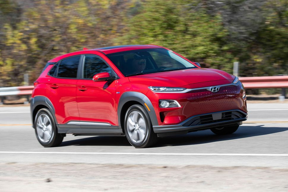 2019 Hyundai Kona Electric First Drive Review A Fun Ev With Competitive Numbers Best Electric Car Electric Car Charger Electric Car Concept