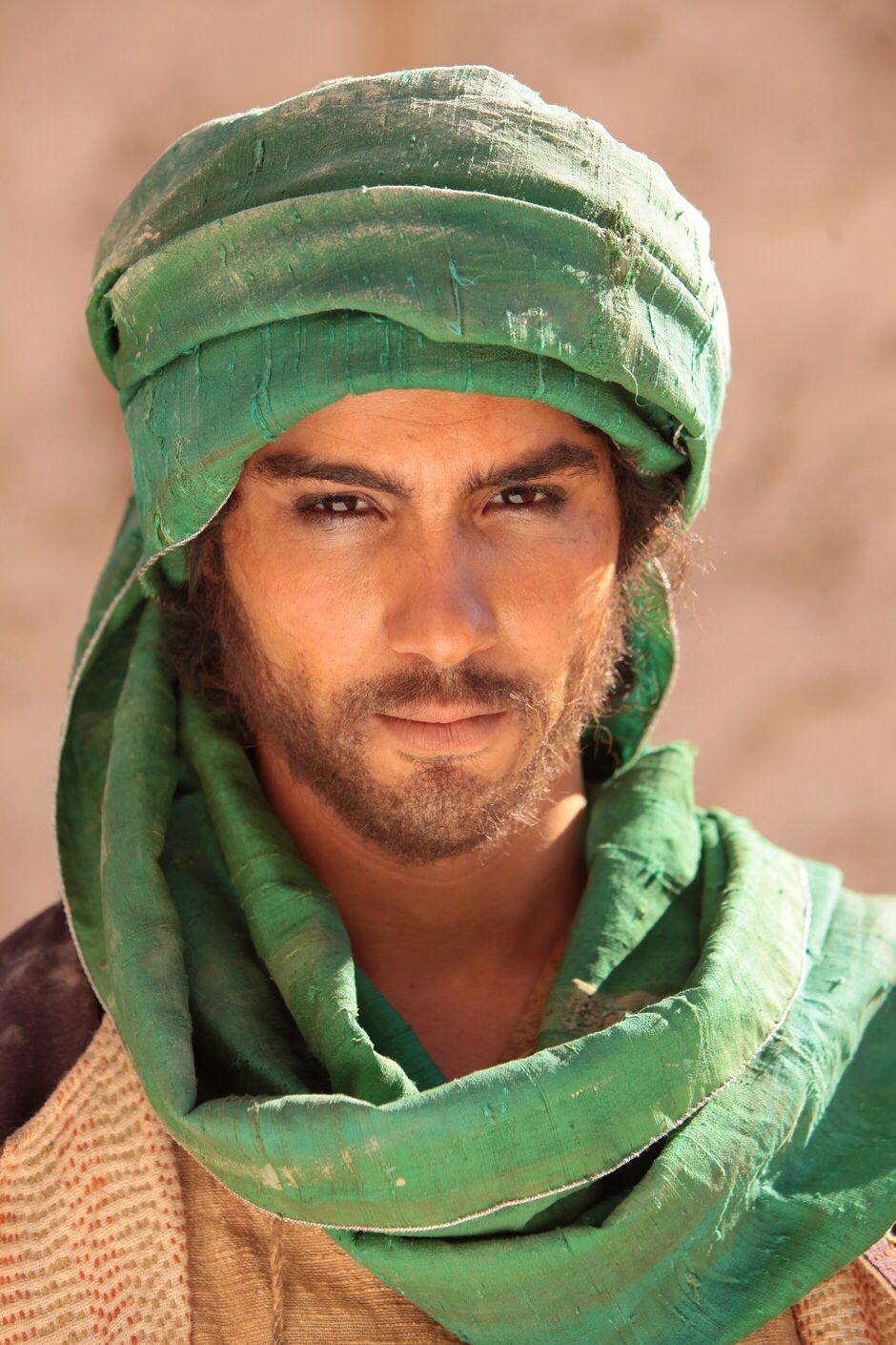 Berber | Photography poses for men, Arab men, Poses for men