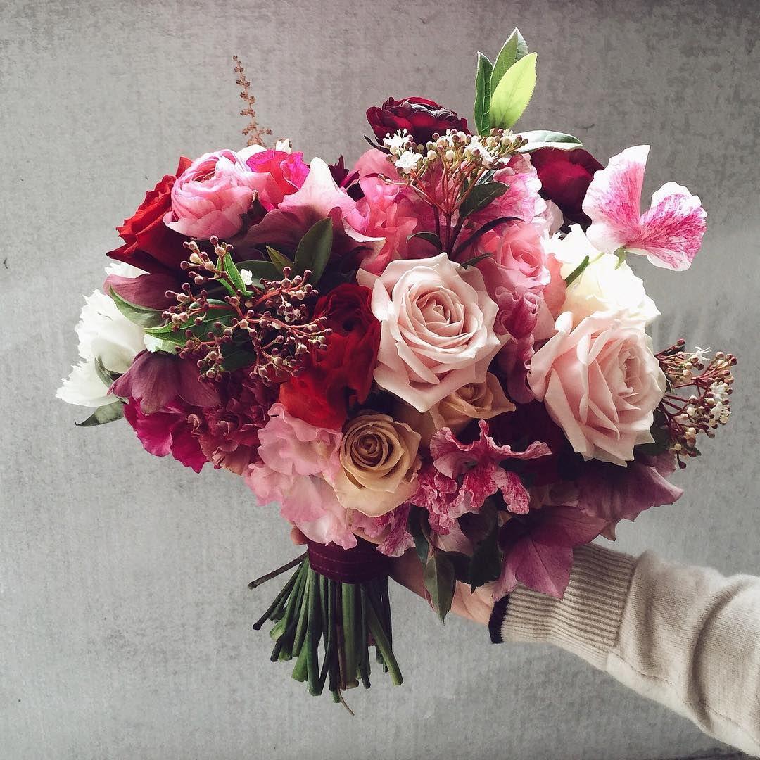 Boutierre girls bridal bouquet- Instagram @boutierre_girls