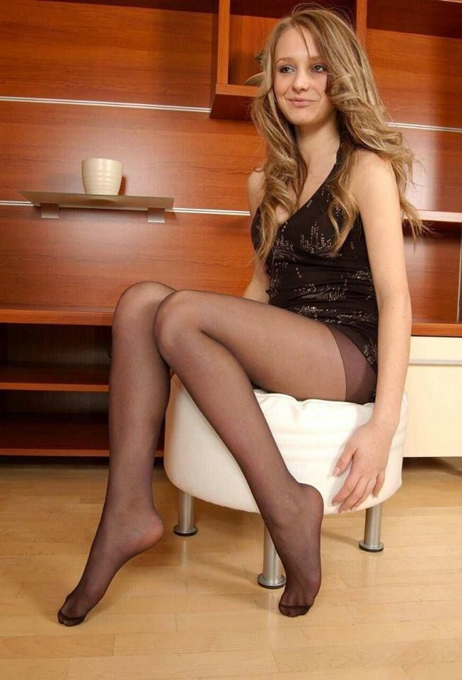 Teen amateur pantyhose
