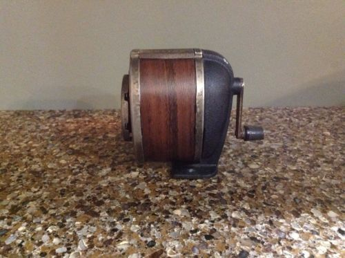 Vintage-Boston-Manual-Pencil-Sharpener-Chrome-Wood-Finish-8-Hole-Wall-Desk-Mount