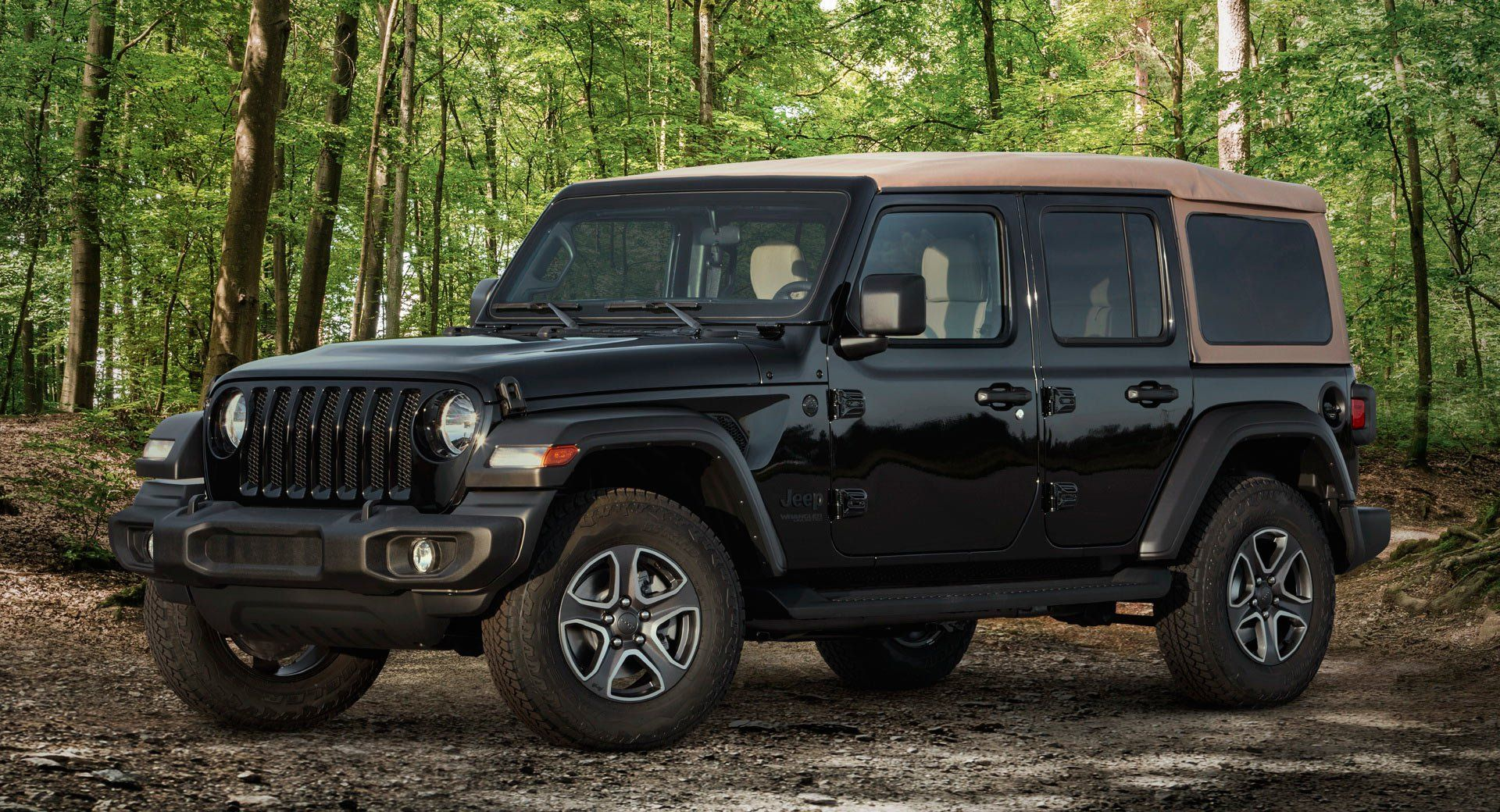 Jeep Unveils Two New Wrangler Models For 2020 Priced From 32 940 Jeep Jeepwrangler Newcars Prices Carlifestyle Carnewsnetwork Carswith Jeep Wrangler Jeep Diesel Engine