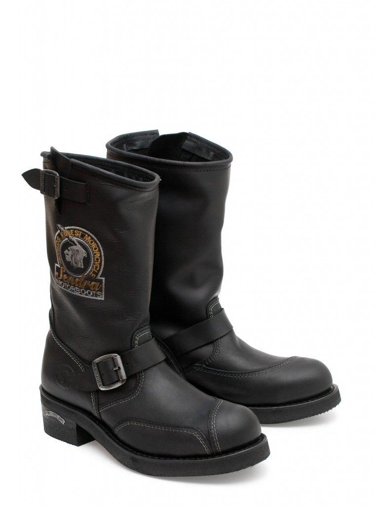 Hoy os dejamos estas Sendra Boots estilo biker de diseño clásico, con estas botas puestas no habrá asfalto que se os resista. Today we are sowhing you this Sendra Boots biker style, put this boots on and nothing will stop you. #Sendra #Boots #Botas #Man #Biker