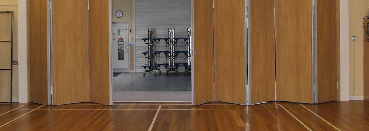end and centre folding partition product | room dividers