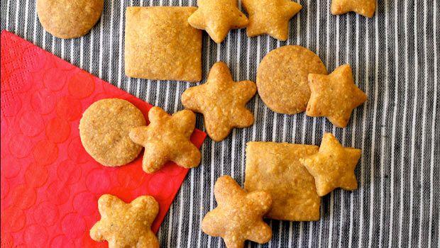 #dashrecipes Whole Wheat Cheddar Crackers
