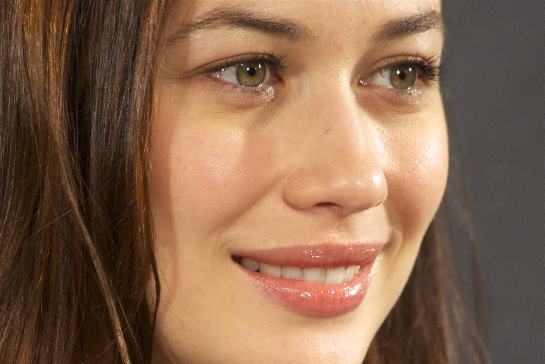 Olga-Kurylenko-HD-Free-wallpapers-Download-16 | Stanze di Cinema ...