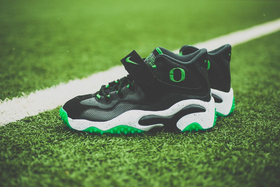 Nike Air Zoom Turf Oregon Ducks