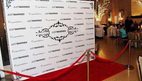 Pin By Naye Lashay On Wedding Diys Red Carpet Wedding Red Carpet Backdrop Red Carpet Wedding Reception