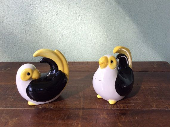 Parrot Salt and Pepper Fitz and Floyd Parrot by 2roads2take