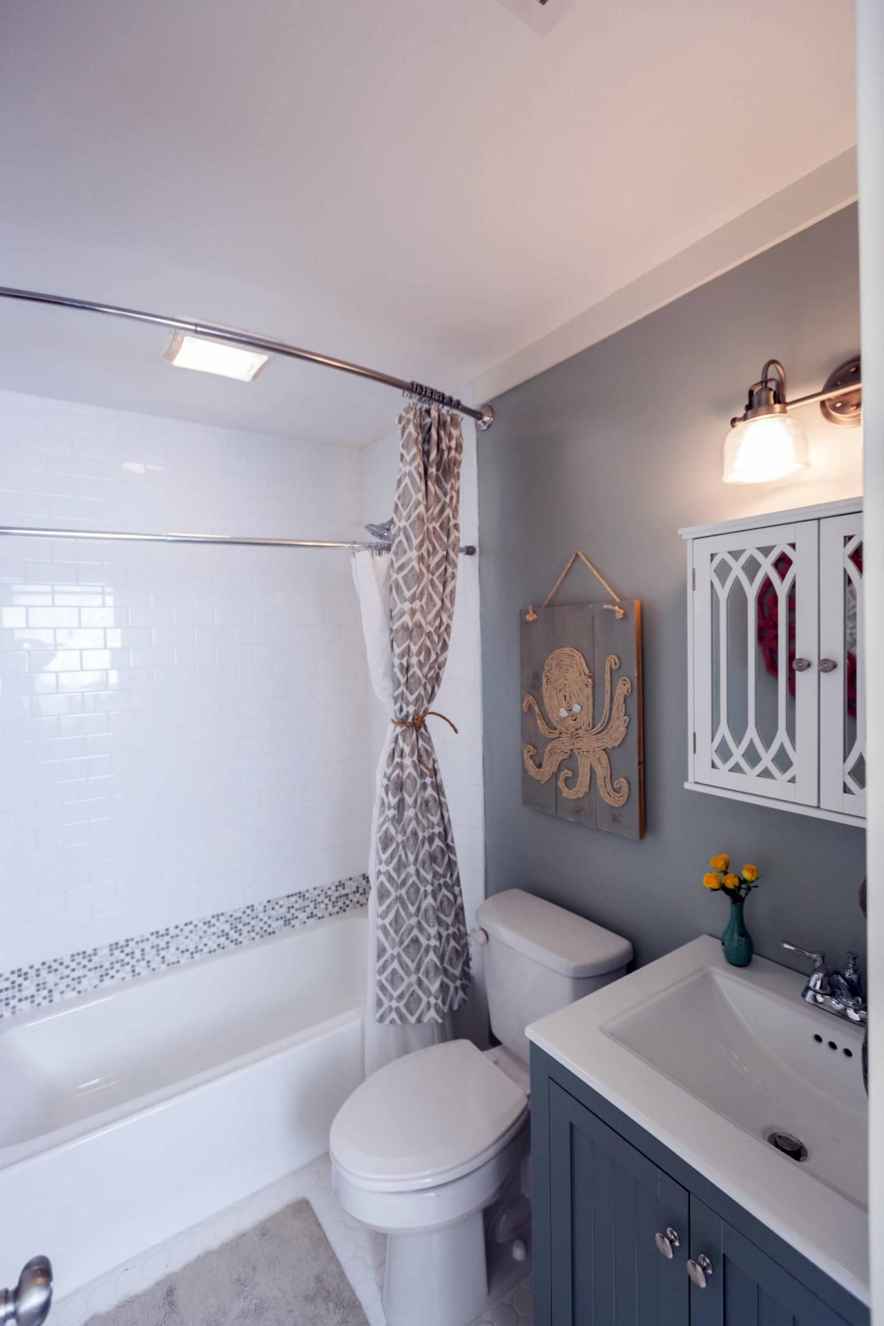 20 Small Bathroom Before And Afters With Images Small Bathroom
