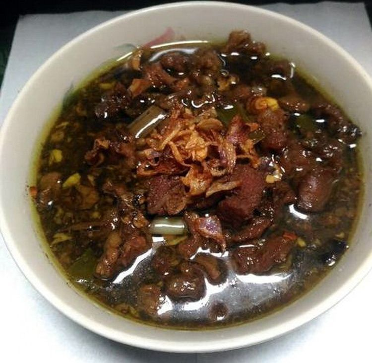 Cara Membuat Resep Rawon Spesial Daging Sapi Dengan Bumbu Istimewa Lengkap Tips Cara Masak Seenak Rawon Pak Pangat Malang Resep Masakan Indonesia Daging Sapi