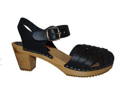 BETTY Pull Up Black wooden sandal