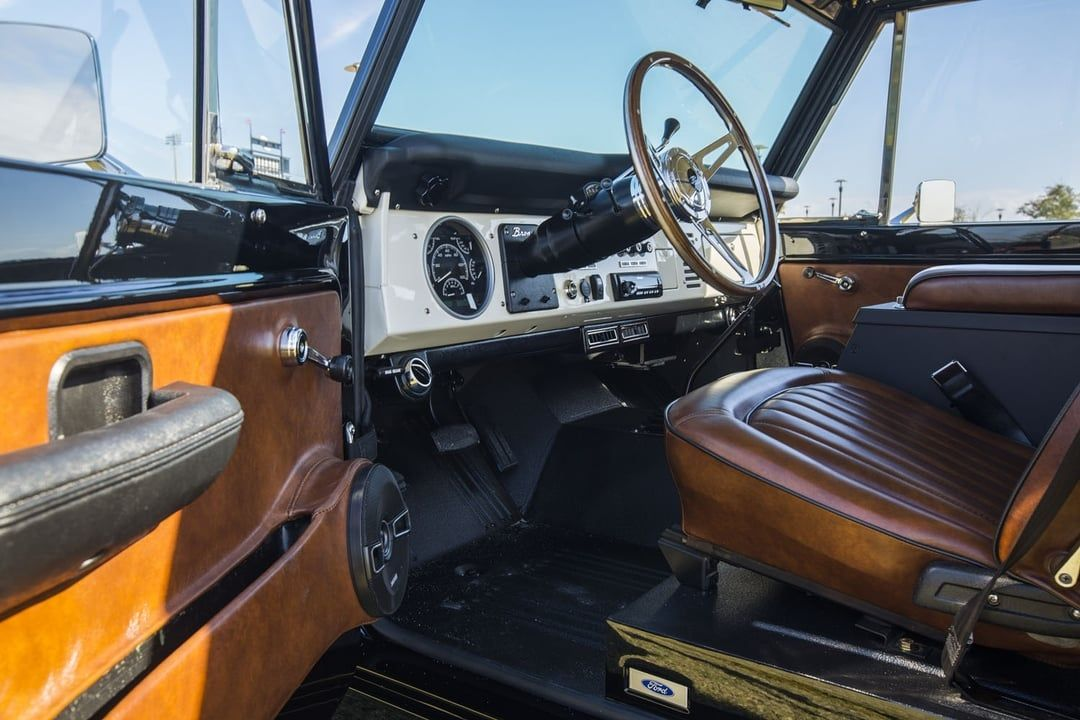 1976 Early Ford Bronco Half Cab   Classic bronco, Ford ...