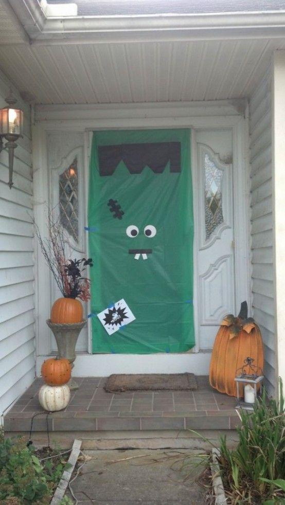 Tấm rèm cửa ma quoái