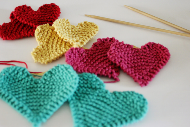 lovely knit hearts, simple and quick | hearts | Pinterest | Free ...