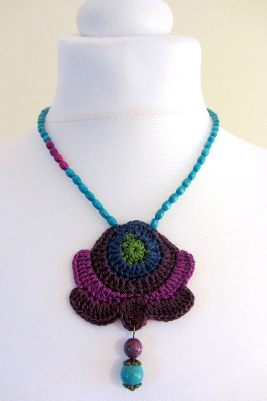 Purple crochet necklace with beads | Patrones De Ganchillo ...