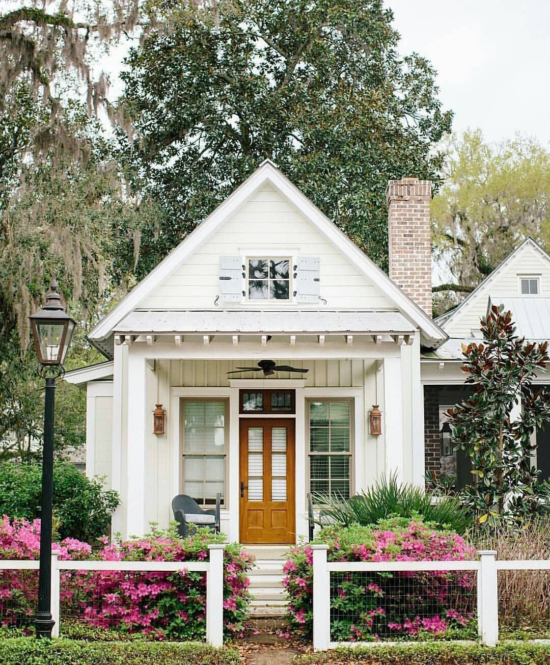 Pin By Kalea Thompson On Favorite Places Small Cottage House