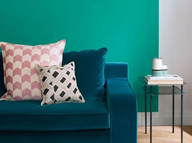 quelles couleurs associer avec le vert it 39 s all about living room pinterest canap bleu. Black Bedroom Furniture Sets. Home Design Ideas
