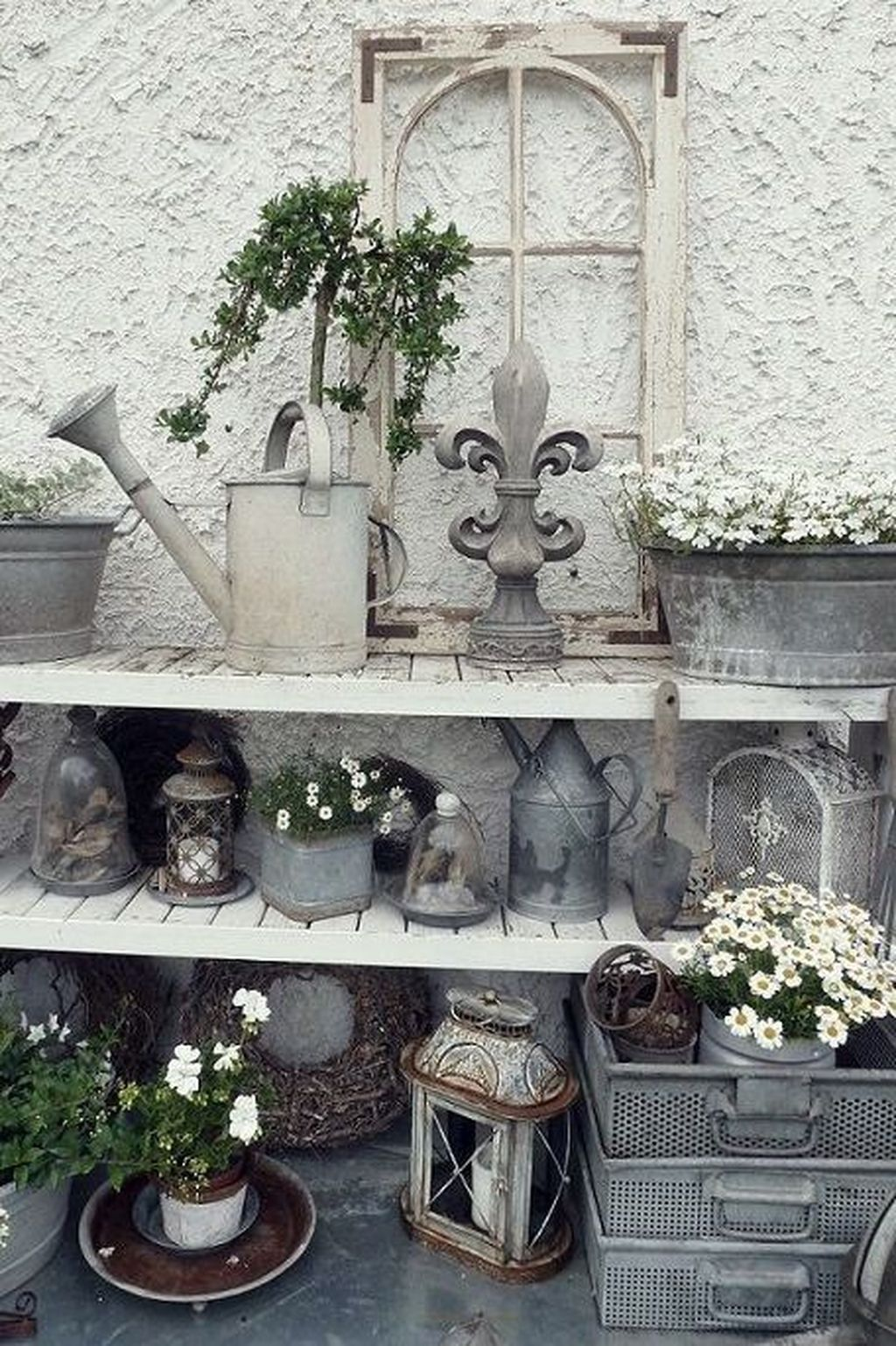 40 Lovely Antique Garden Decor Ideas Page 7 Of 48 With Images Diy Garden Decor Vintage Garden Decor Garden Decor