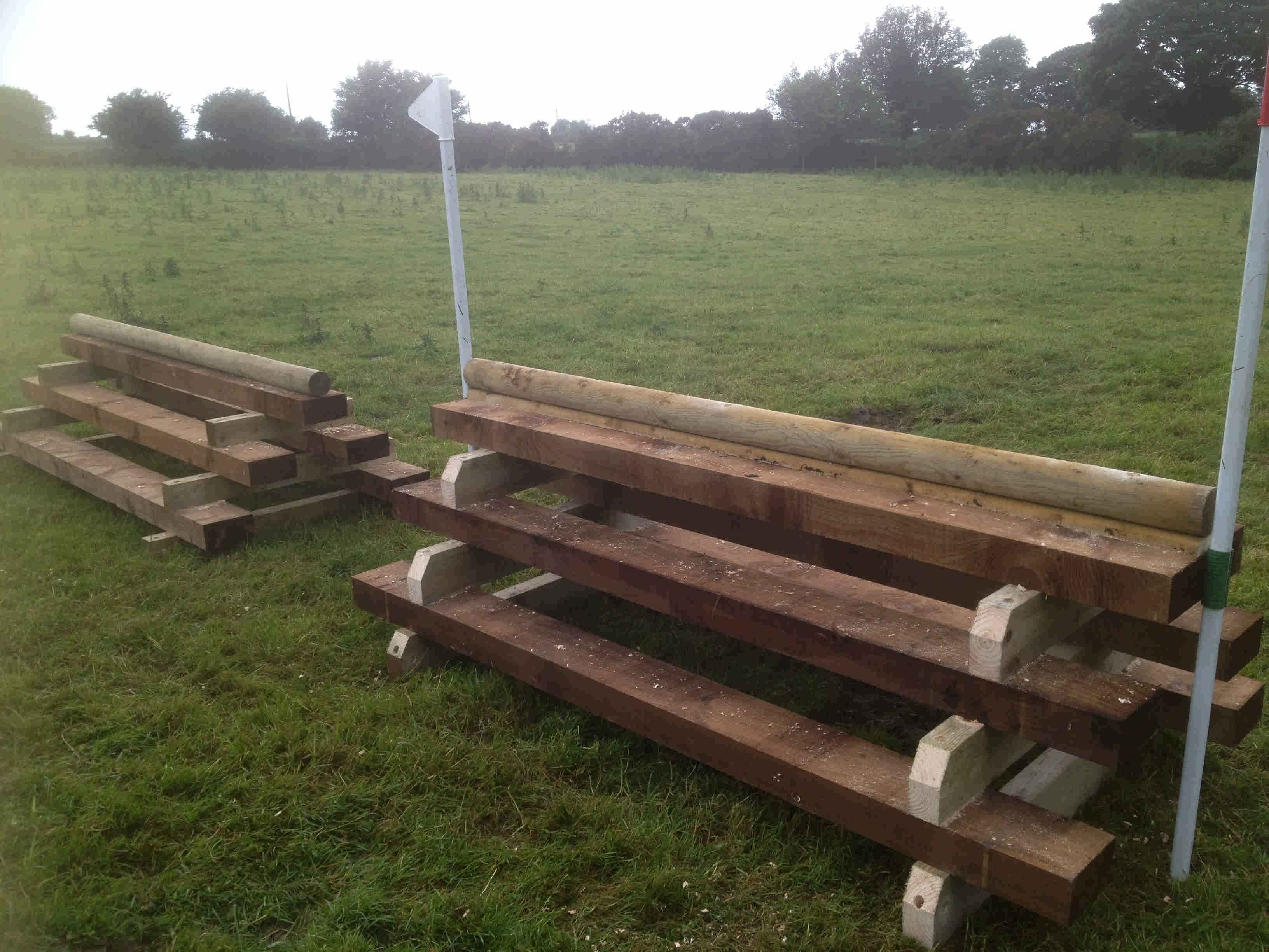 log pile mobile cross country jumps 1 3264×2448